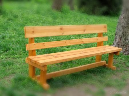 ספסל גינה מעץ