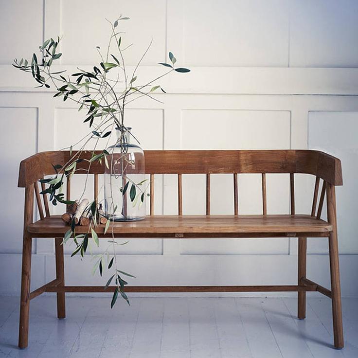 שדרוג פשוט וקל עם ספסל עץ לבית