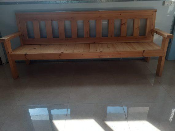 ספסל עץ מאסיבי
